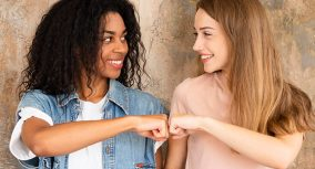 Friendship Essay: Writing Guide & Topics on Friendship [New]