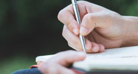 How to Write an Analysis Essay: Examples + Writing Guide